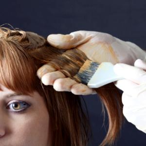 кормящей маме красить волосы