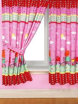 Яркий дизайн штор для детской