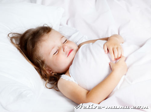 С какого возраста ребенку нужна подушка?