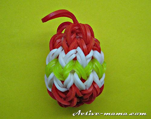 пасхальное яйцо из резинок