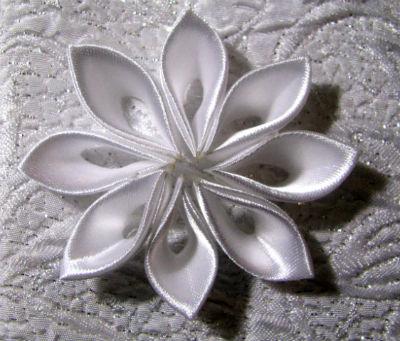 канзаши ободок с цветами