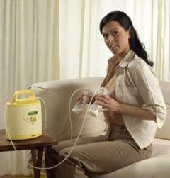 как сцедить грудное молоко молокоотсосом