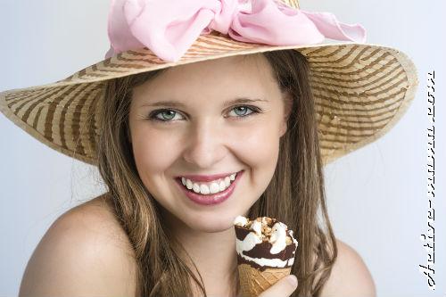 Можно ли мороженое кормящей маме?